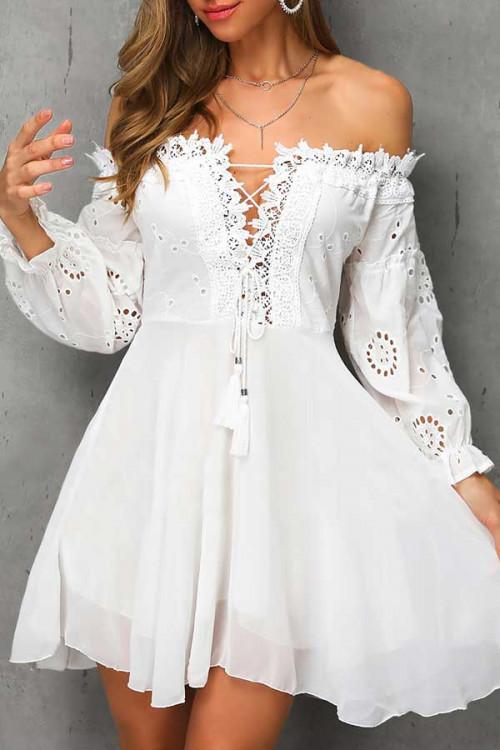 Off-the-shoulder Mini Lace Dress
