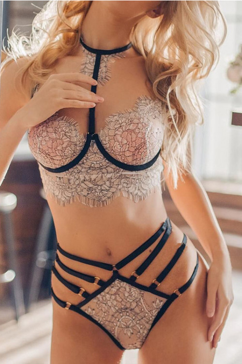 Floral Lace Lingerie Set With Choker