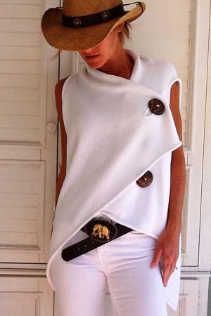 Asymmetric Hem Buttoned T-shirt